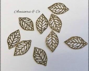 Set of 20 antique bronze fine filigree leaf charms