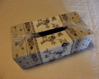 Grey Provencal print tissue box cover