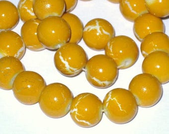 Set of 10 glass beads painted yellow 10mm cracks