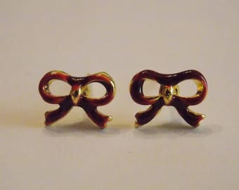 Pair of stud earrings modern enamelware Burgundy gold bowtie