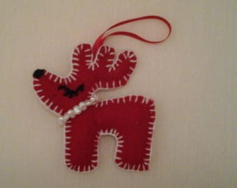 reindeer in red felt lined with white