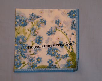 Pretty blue forget-me-nots paper towel