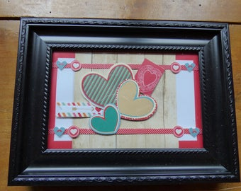 FRAME WITH EMBOSSED THEME 'LOVE' CARD