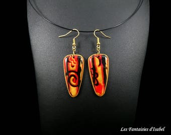 Pair of earrings colors: red, black and gold