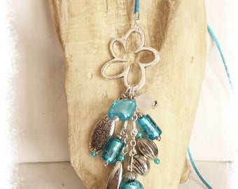 Turquoise beads and silver Daisy necklace