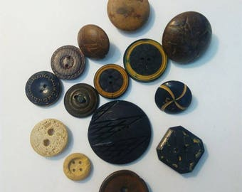 Set of 14 different buttons, wooden, vintage.