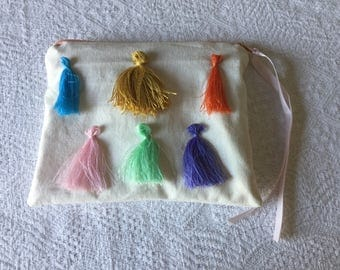 Makeup case flowers and tassels