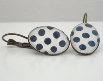 Earrings cabochon oval white with black polka dots