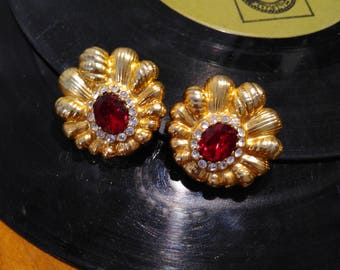 VINTAGE clip EARRINGS with synthetic Ruby and gold frame