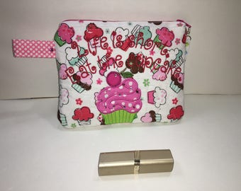 """Small zippered bag - """"Eat the cupcake"""""""