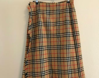 Burberrys London Wrap Wool Skirt with Pleated detail on the back