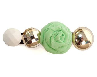Clip type crocodile classic romantic light spring green flower cabochon, silver and white