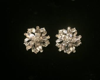 Vintage Silver Jewel star cluster clip on earrings.