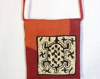 Fabric shoulder bag red / orange turtle pattern