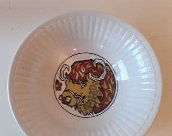 Staffordshire Ironstone 'Beefeater' Bowl
