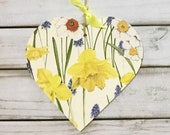 Image of 10cm decoupaged wooden hanging heart Wilflowers Daffodils Floral/Countryside /daffodils /Home Kitchen Decor/Gift/ Birthday Gift