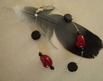 Simple fashion bracelet, black and Red