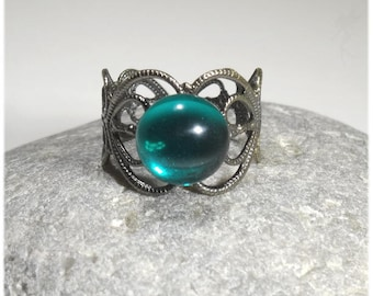 "Ring ""Medieval love"" antique silver and glass"