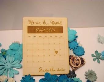 Lot 10 02065 has wooden wedding invitations