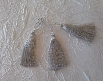 tassel couture metallic silver. 7 cm length.