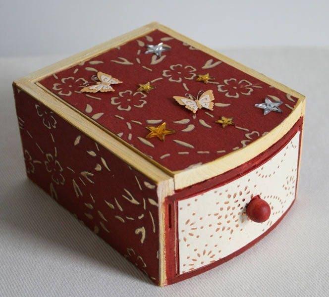 jolie boite bijoux avec miroir et tiroir bois. Black Bedroom Furniture Sets. Home Design Ideas