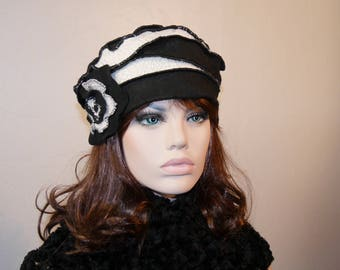 Black and white polyester Marina 21 Hat
