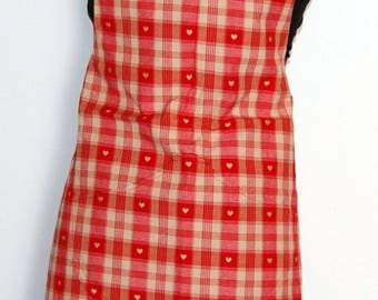 Red Plaid and 2 matching potholders patterned apron