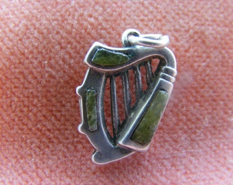 Vintage Sterling Silver Charm Harp with Scottish Agate