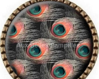 """Bronze round Cabochon pendant 25 mm epoxy resin - """"peacock feathers"""" (1009)"""