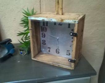 Table clock to hang or to ask.