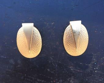 80s dented gold earrings