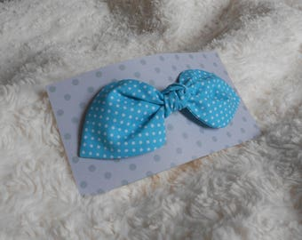 Fabric bow hair clip