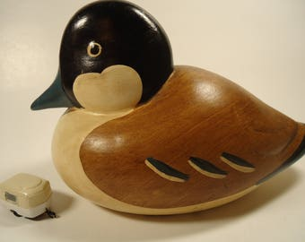 Wood look small duck figurine, 2010 P&T.