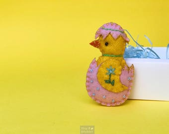 "3"" hand stitched yellow chick chicken hanging / felted felt decoration / felt hanging ornament chic felt / easter primitive decor"