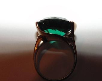 Vintage Cartier Natural 12.5 Carat Green Tourmaline 18kt Gold Ring
