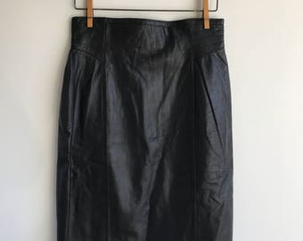 Vintage 80's Black Leather Mini Skirt with flaired sides Size 10