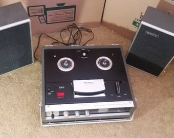 Sony TC-230 Four Track Stereo Reel to Reel Tape Recorder with speakers