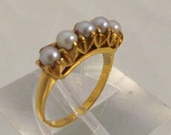 18k Yellow Gold Ring with five Beautiful Pearl