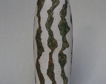 Ceramic vase. Single piece