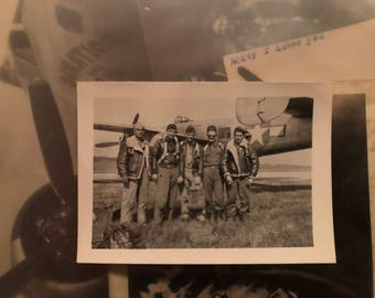 ORIGINAL WWII photograph (B25 crew standing by their plane)