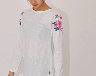 Peony printed raglan long sleeve shirts, Cover-up for leggings