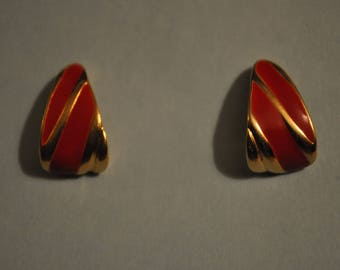 Vintage 80s Signed Monet Jewelry Retro Gold and Red Enamel Triangle Twisted Semi-hoop/Stud Earrings