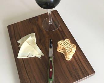 Walnut Cutting Board Full 1 in. Beautiful Face Grain