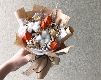 Petite Dried Flower Bouquet (Apricot)