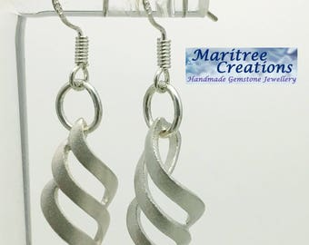 925 sterling silver lattice earrings.