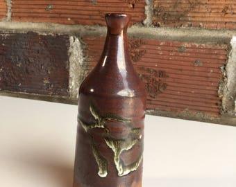 Single-flower Stoneware Vase