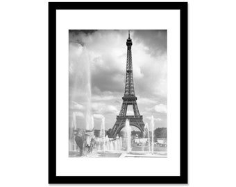 Black and white photo of Eiffel Tower in Paris in 1937