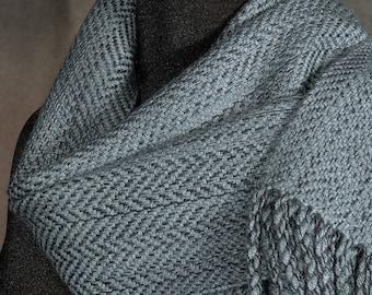 Grey scarf / Gray scarf / Man's scarf / Herringbone scarf / Handwoven merino wool scarf /Woman's scarf