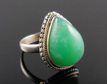 Chrysoprase cabochon sterling silver ring - size 8.75
