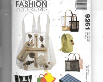McCall's Tote Bags and Backpacks Pattern 9261